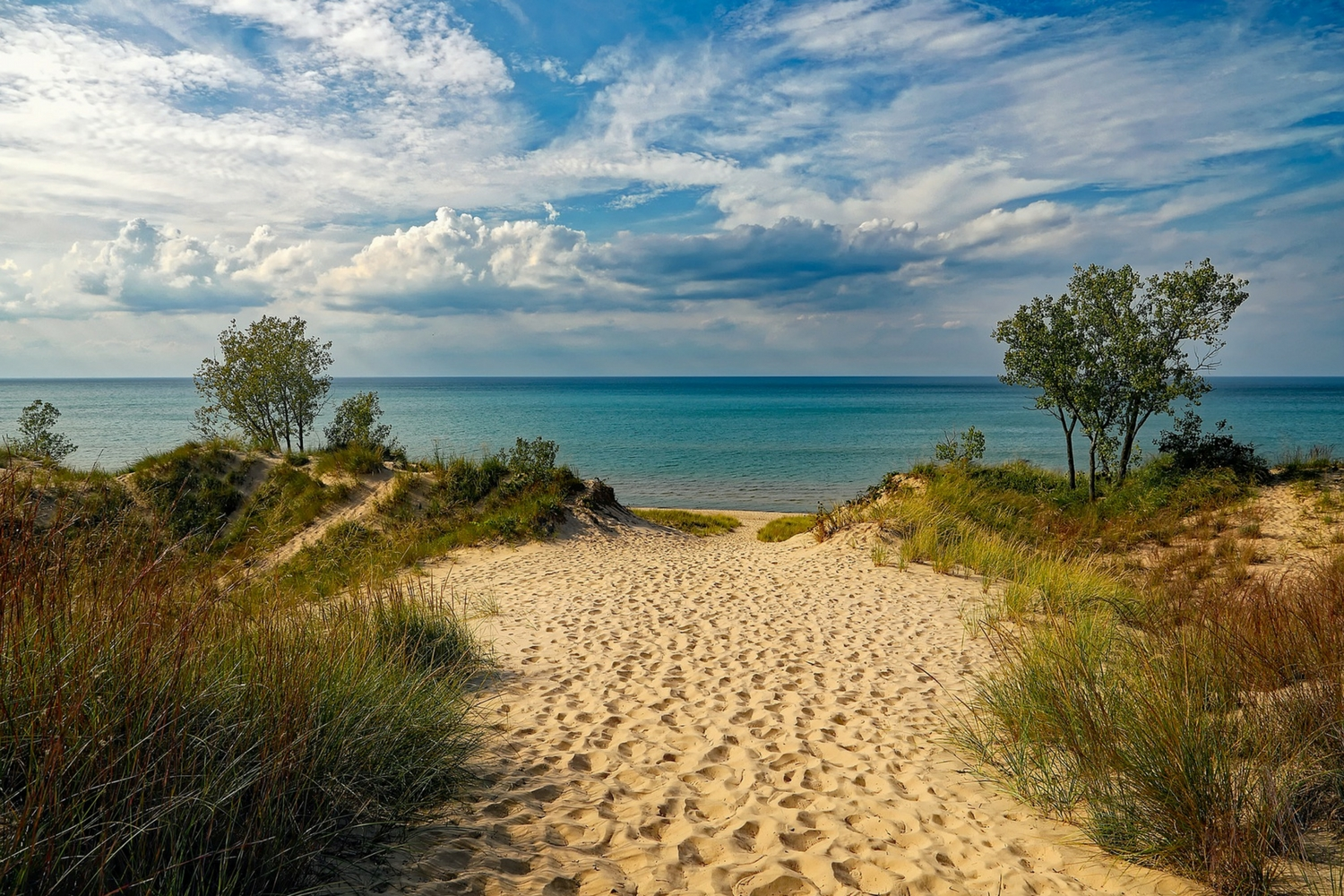4 Most Beautiful Michigan Beach Towns Everyone Will Love